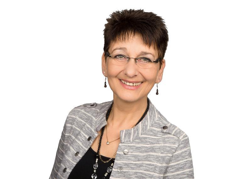 Sabine Dostall-Petersen